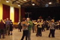 Ball amb el grup Milenium