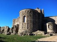 Visita guiada al monestir medieval de Santa Maria de Roses