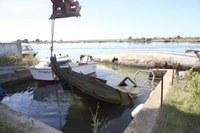 Extracció embarcació canals