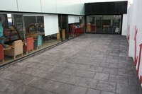 pati exterior biblioteca