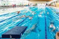 450 nedadors de clubs europeus escullen la Piscina de Roses per preparar la temporada
