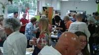 La festa de cloenda dels cursos de català i del  Voluntariat per la llengua homenatja el cant de taverna