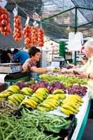 Concurs per a l'atorgament de 4 parades del mercat de fruita i verdura de Roses