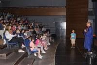 El pallasso Ruskus Patruskus ensenya educació viària als alumnes de P5 de Roses