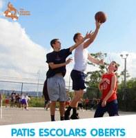 El pati de l'escola Vicens Vives s'obre per a joves de 12 a 18 anys divendres i dissabtes