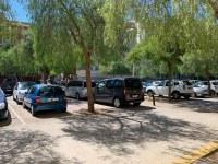 Es prohibeix l'aparcament a la plaça Josep Tarradellas arran de la denúncia d'un empresari de Roses