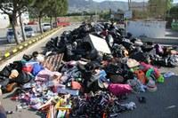 La Policia Local de Roses destrueix 2,5 tones de material comissat a venedors il·legals