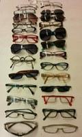 """Les ulleres no retornades de l'oficina d'objectes perduts de Roses, donades a l'ONG """"Òptics pel Món"""""""