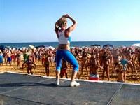 Les sessions matinals d'aeròbic platja s'allarguem fins al 27 d'agost