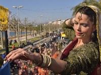 Més de 3.000 persones, 70 colles i 66 carrosses al Carnaval de Roses