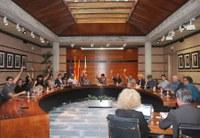 Roses aprova un moció contra la violència de l'1 d'octubre