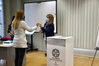 Roses lliura els certificats als 10 participants que han assolit el programa Formació en Primera Acollida